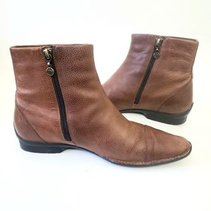 ROCKPORT Tan Flat Leather Ankle Boots size 7.5
